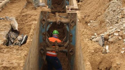 Verlegung Steinzeugrohre | Kanalsanierung Hardisser Straße, Lemgo