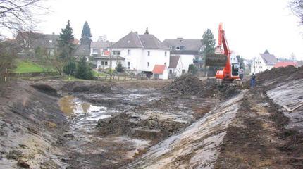 Böschungsprofilierung | Hochwasserrückhaltebecken Bergstraße, Löhne