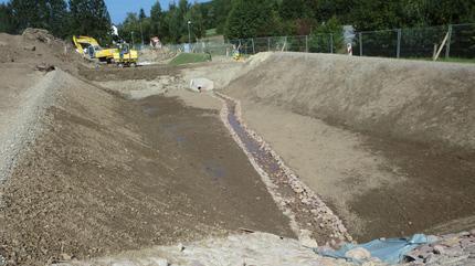 Herstellung von einem Hochwasserrückhaltebecken und zwei Regenrückhaltebecken am Linnebach, Detmold