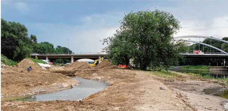 Massive Bauarbeiten an der Weser in Minden, es entsteht eine Blänke